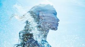 Dobrodziejstwa dla skóry prosto z morza… LIFESTYLE, Uroda - Czy w czasie urlopu, dryfując po lazurowych wodach mórz i oceanów, zastanawiacie się jakie dobrodziejstwa kryją ich głębiny? Zanurz się w toni orzeźwiającej wody i poznaj moc podwodnej natury.